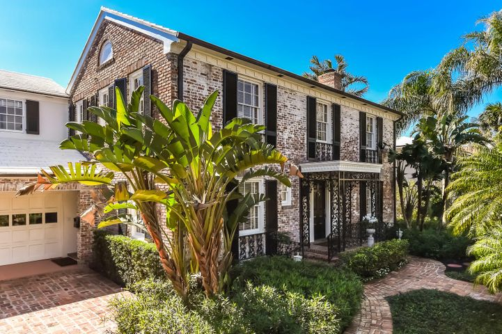 Prestigious Pendleton Ave, 4500 sf classic white-washed brick Georgian designed by Gustav Maass as his personal residence while working for John Volk.  This 6 bedroom, 5 bathroom home offers proportioned rooms with abundant amount of natural light, coquina clad pool, updated kitchen, and two-car air conditioned garage.  Don't miss this Excellent opportunity!