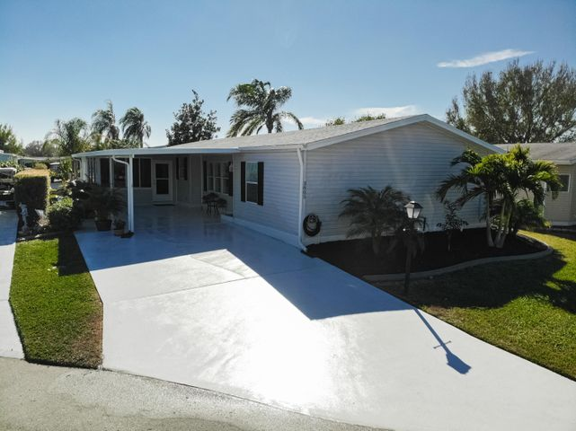 3805 Pebble Beach Lane, Port Saint Lucie, FL 34952
