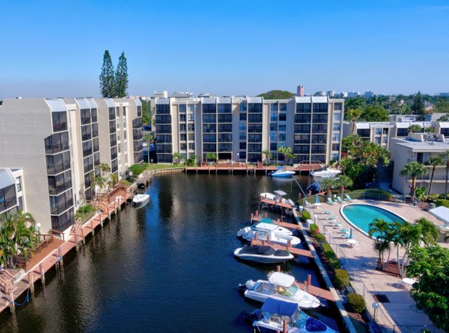 GATED WATERFRONT COMMUNITY OFFERS DOCKAGE FOR A SMALL MONTHLY FEE!