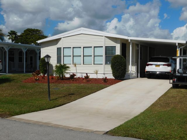 3212 Ironwood Avenue, Port Saint Lucie, FL 34952