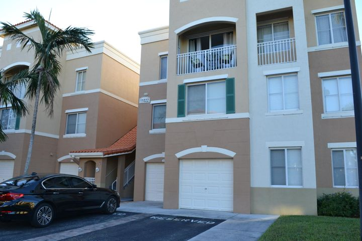 Private Gated, Pet Friendly Community in the heart of PB Gardens. Spacious, Bright and Clean 3rd Floor Condo Unit in the heart of Palm Beach Gardens w. Beautiful Lake Views from each room. Volume Ceilings. Open Floor Plan. Covered Balcony off Kitchen. Large Bedroom with Walk-in closet (extra storage space). Dual Sink Vanity, Shower/Tub Combo in Bath. Stackable Washer/Dryer. Move right in... extremely convenient location. Walking distance to Legacy Place Plaza, Shops & Restaurants. Across the street from the Gardens Mall and Palm Beach State College. Close to Highways and 15 minutes to PBIA Airport. Legacy Place is a Gated Community that features a Private Clubhouse, Lakeside Pool & Spa, BBQ/Picnic Area, 24-hr Fitness Center, Valet Trash Service, Lighted Tennis courts.