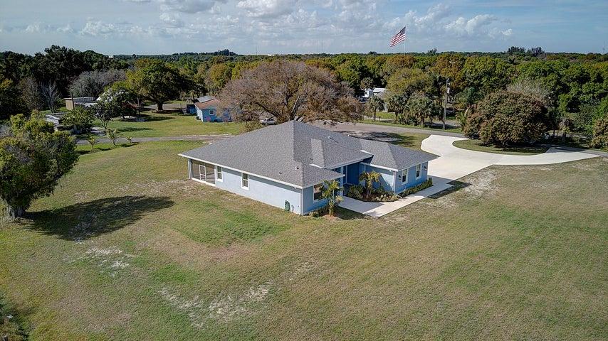 2303 S Jenkins Road, Fort Pierce, FL 34947