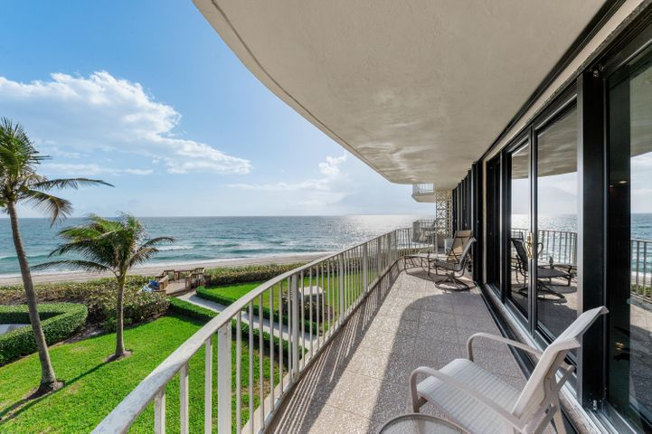 These views are the best Palm Beach has to offer spanning from the ocean to the intracoastal. This fully updated condo boasts an open layout kitchen with cherry cabinetry and high-end stainless steel appliances. Professional grade Miele espresso machine, wine cooler, and bar seating are all offered with this unit. Enjoy two bedrooms and two full bathrooms with views from every room. The full wraparound balcony and sliding doors in each room allows the owner to bring the outside in and experience Palm Beach to the fullest. Full amenity building with 24-hour doorman minutes away from beachfront restaurants, the famous Worth Avenue shopping district, and Plaza Del Mar shopping center including Publix grocery store.