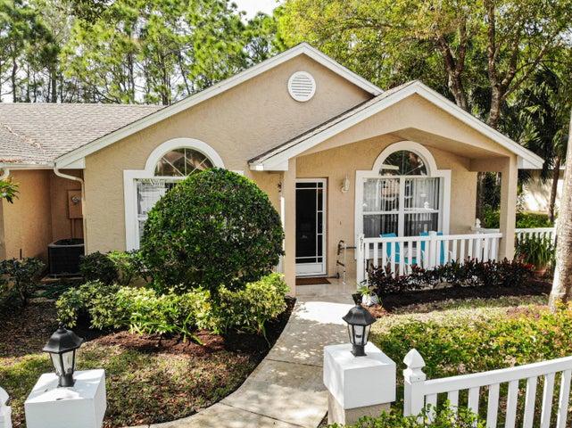 671 NW San Remo Circle, Port Saint Lucie, FL 34986