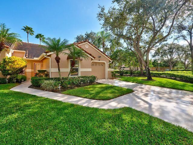 Just listed in the highly desirable golf community of PGA National! Home of the Honda Classic and Five Master designed 18-hole golf courses, 1st class spa, fitness center, and tennis. This is one of the nicest homes in Heather Run! Totally renovated single-story villa with an open floor plan! Two gorgeous new baths, wood flooring throughout, granite countertops, and much more.! Located right across from the huge community pool. Only avail July 1st - Oct. 31st.