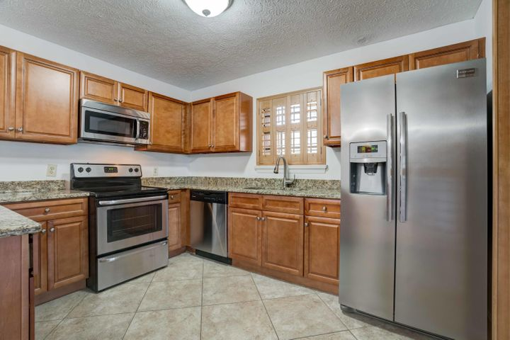 7361 SE Jamestown Terrace, Hobe Sound, FL 33455