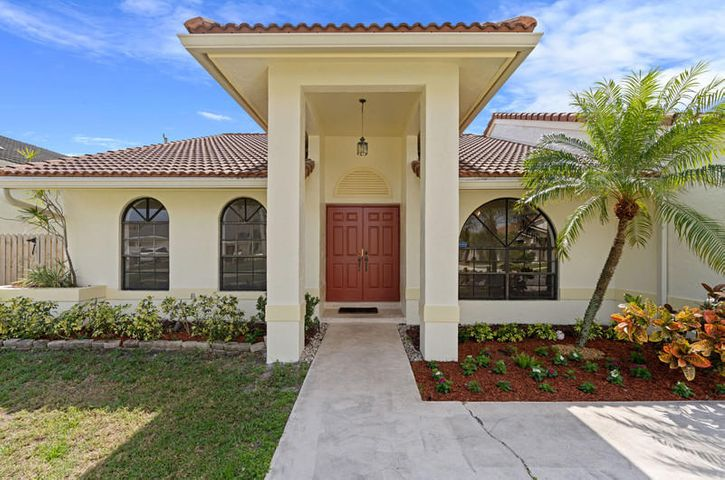 GORGEOUS 1-STORY HOME in EAST BOCA'S MOST DESIRABLE COMMUNITY HIDDEN VALLEY! Open House this Sat & Sun, Feb 27th & 28th at1-3pm! 4BR/2BA/2GA Beautiful Pool! PLUS BIG HOME OFFICE! No HOA Fee! Bike To Beach! Best A+ Rated Schools!  Minutes to Downtown Mizner Park & Royal Palm Place,  Restaurants & Shops!  Vaulted Ceilings, Skylights, Tile Floors, Recessed Lighting, Palladium Windows, Split Bedrooms, Bright Natural Sunlight!  A/C 2014, W/H 2019!