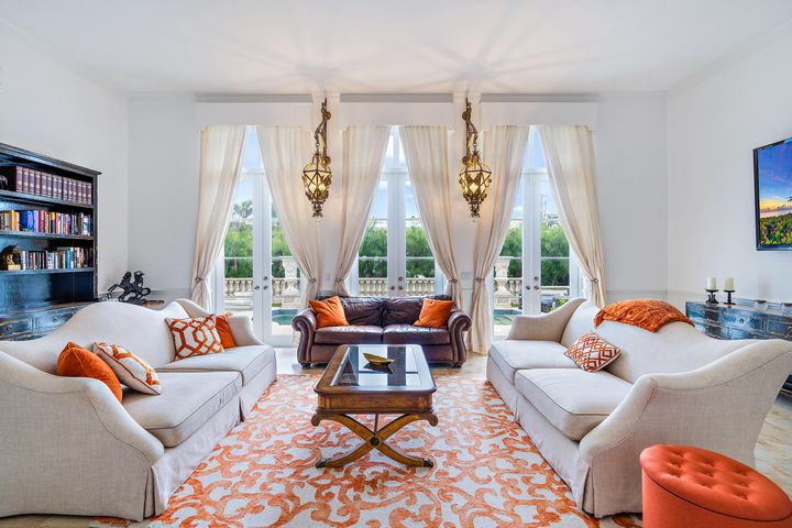 Exceptional Regency Investment-One home from Ocean. High dramatic ceilings-Elegant and spacious rooms.