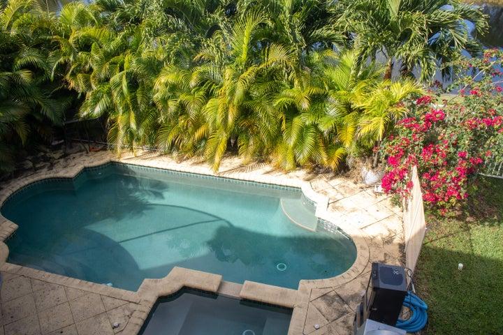 613 Gazetta Way, West Palm Beach, FL 33413