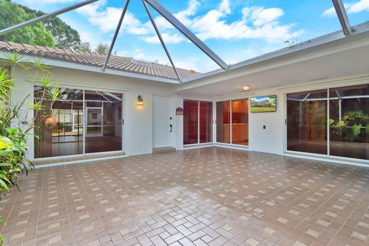 1301 Silverleaf Oak Court, Palm Beach Gardens, FL 33410