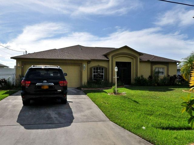 5840 NW Whitecap Road, Port Saint Lucie, FL 34986