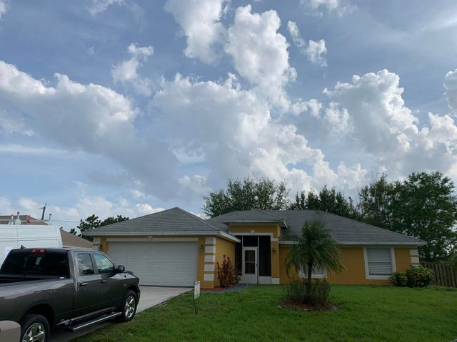 174 SW Fairchild Avenue, Port Saint Lucie, FL 34984