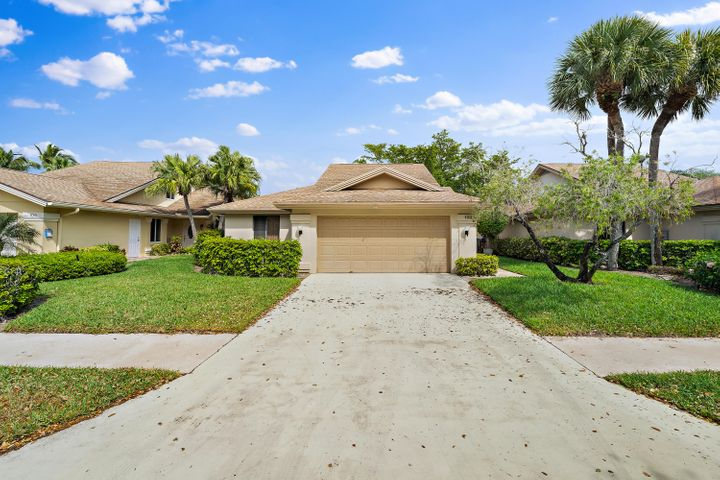 107 Sand Pine Drive, Jupiter, FL 33477