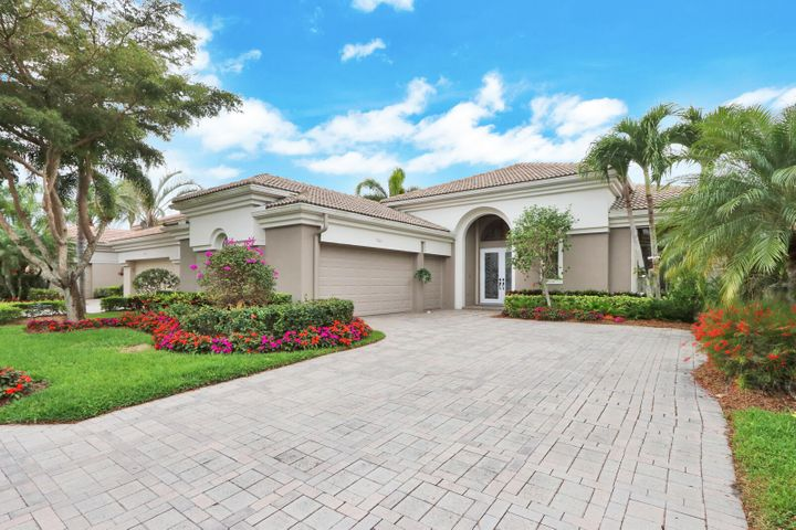 7661 Blue Heron Way, West Palm Beach, FL 33412