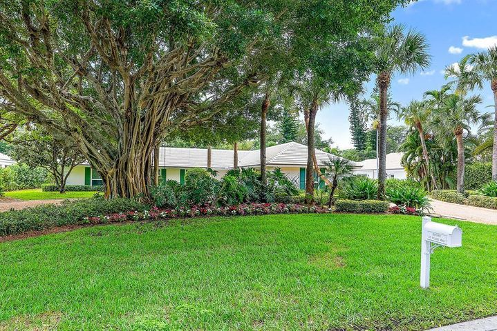 876 Village Road, North Palm Beach, FL 33408
