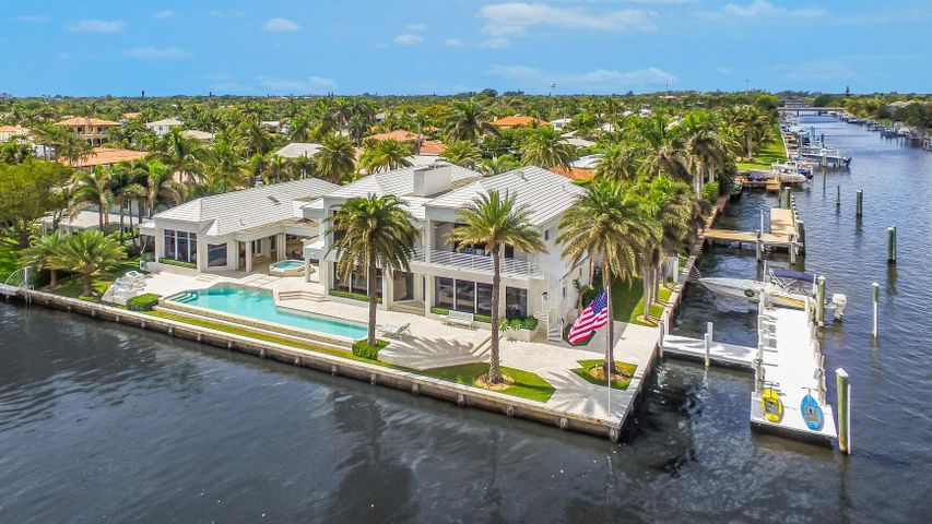 2610 Holy Cross Lane, Lake Worth, FL 33460