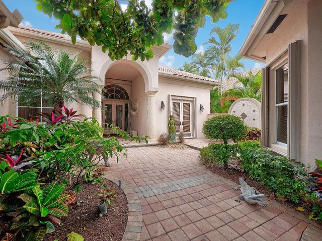 121 Vintageisle Lane, Palm Beach Gardens, FL 33418