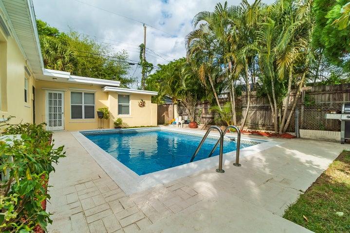 1901 Redbank Road, North Palm Beach, FL 33408