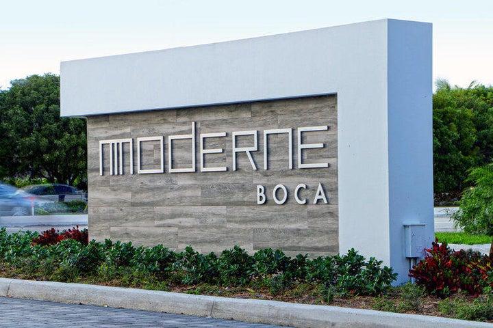 Boca Moderne Entrance