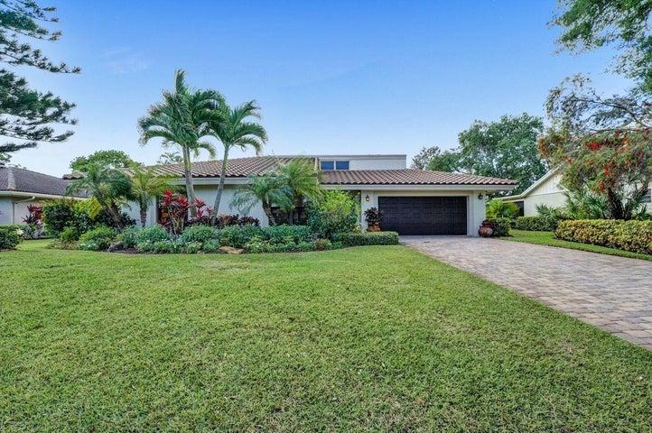 6724 Eastpointe Pines Street, West Palm Beach, FL 33418