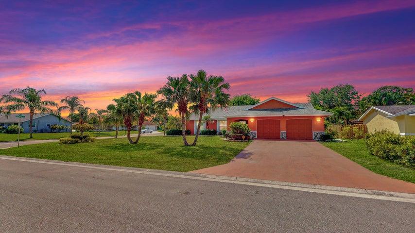220 Infanta Avenue, Royal Palm Beach, FL 33411