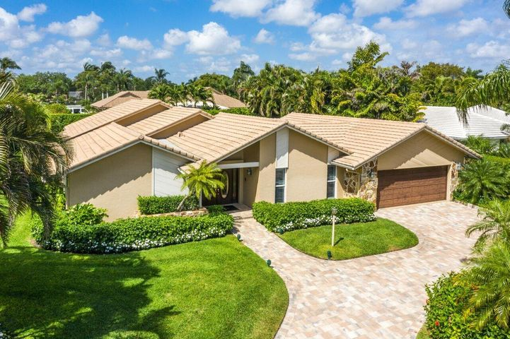 1381 Partridge Place N, Boynton Beach, FL 33436