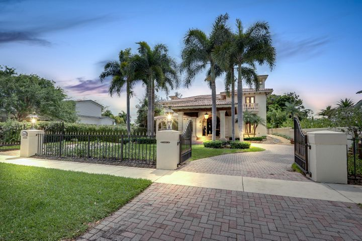 Ocean Access Private Residence on 1/3 Acre, Walled & Gated