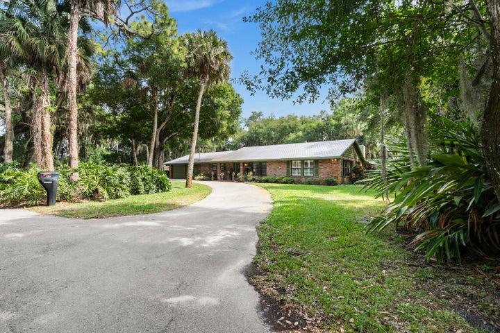 1201 Charlotta Street, Fort Pierce, FL 34982