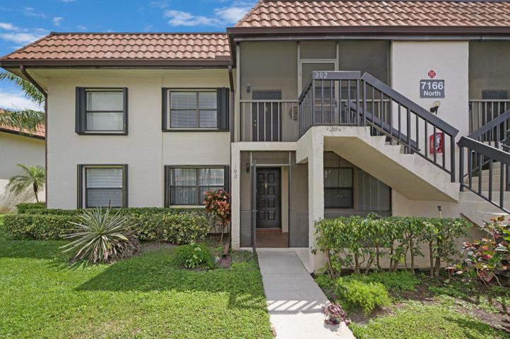 7166 Golf Colony Court, 102, Lake Worth, FL 33467