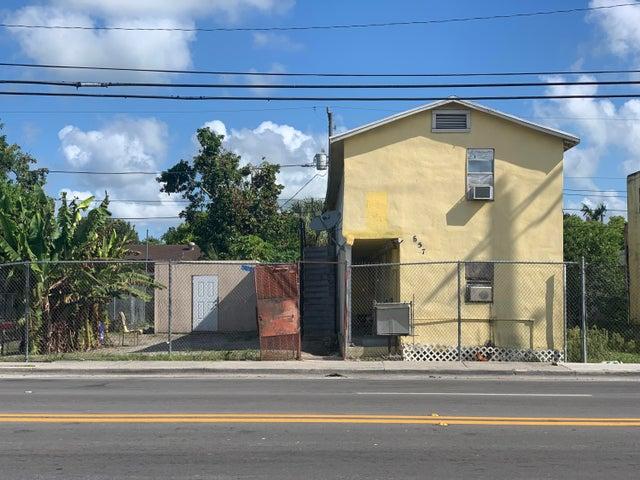 657 Dr Martin Luther King Jr Boulevard W, Belle Glade, FL 33430