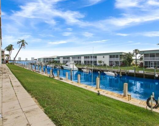 130 Doolen Court, 310, North Palm Beach, FL 33408