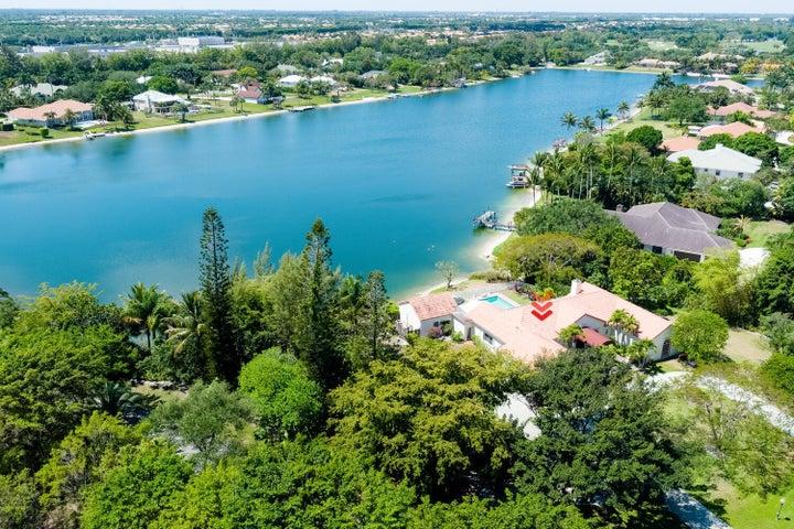 8728 Wendy Lane E, West Palm Beach, FL 33411