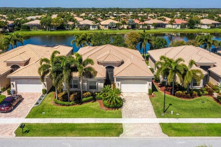 9657 Dovetree Isle Drive, Boynton Beach, FL 33473