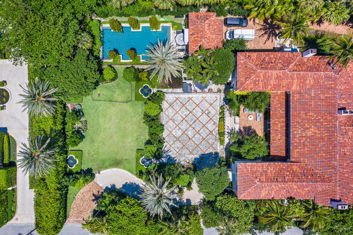 125 Via Del Lago, Palm Beach, FL 33480