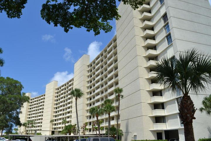 120 Lakeshore Drive, G43, North Palm Beach, FL 33408