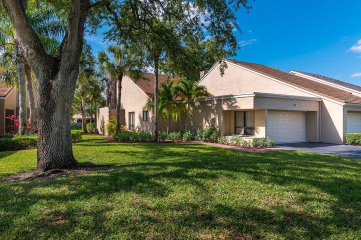 23 Balfour Road W, Palm Beach Gardens, FL 33418