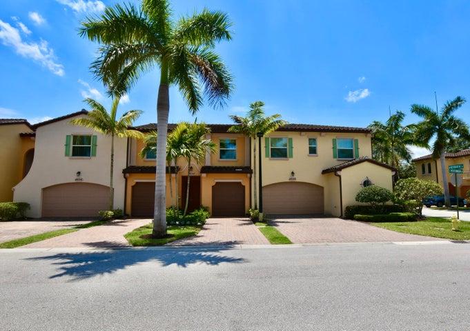 4658 Mediterranean Circle, Palm Beach Gardens, FL 33418