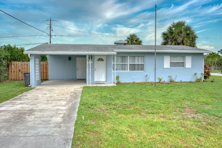 2117 SE Monroe Street, Stuart, FL 34997