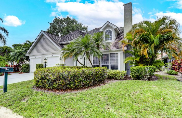 205 Woodsmuir Court, Palm Beach Gardens, FL 33418