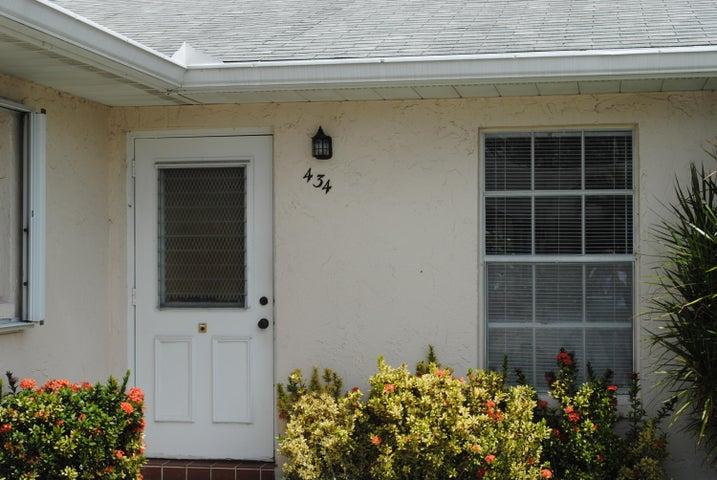 434 Bennington Lane, Lake Worth, FL 33467