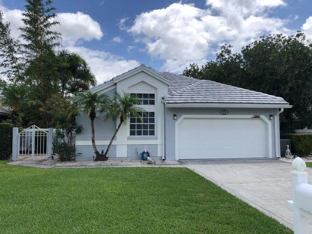 13880 Crosspointe Court, Palm Beach Gardens, FL 33408