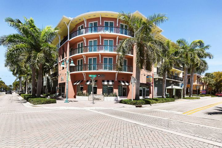 235 NE 1st Street, 306, Delray Beach, FL 33444