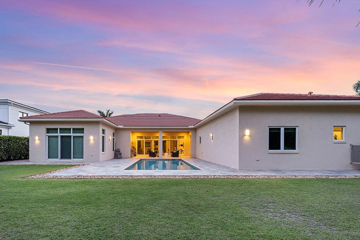 665 Hermitage Circle, Palm Beach Gardens, FL 33410