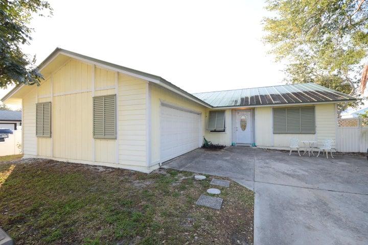 5125 SE Manatee Terrace, Stuart, FL 34997