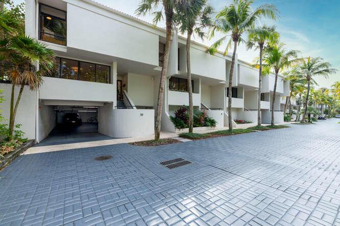 2335 S Ocean Boulevard, E 19, Palm Beach, FL 33480