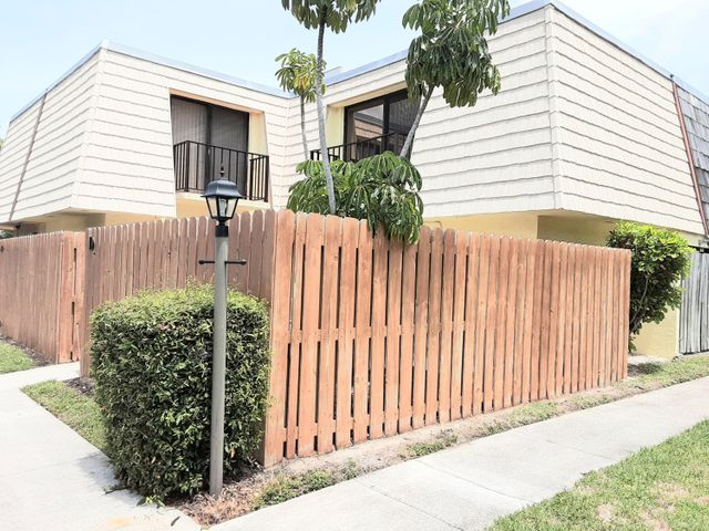 Newer fencing in private patio!