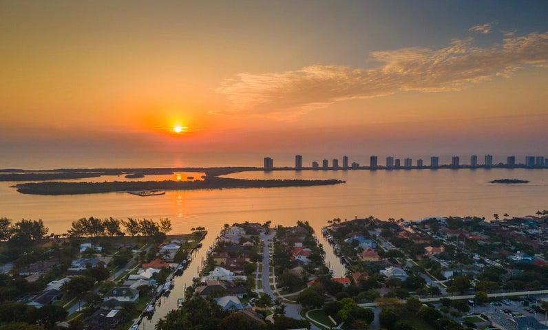 100 Ebbtide Drive, North Palm Beach, FL 33408