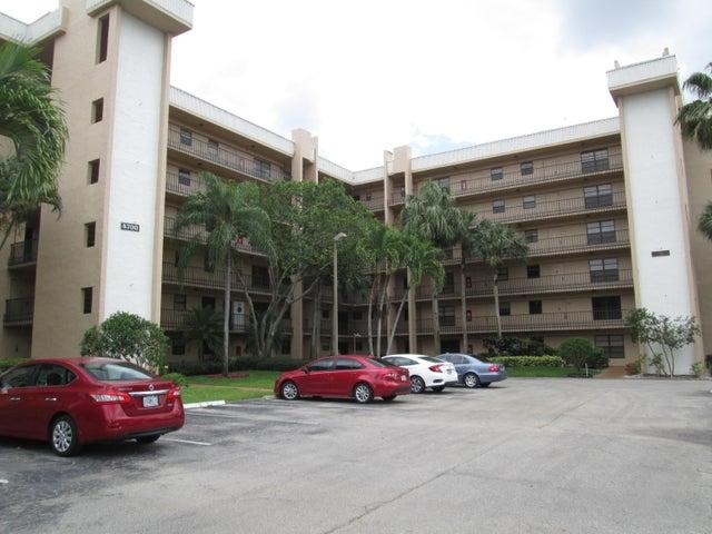 4700 Lucerne Lakes Boulevard, 106, Lake Worth, FL 33467