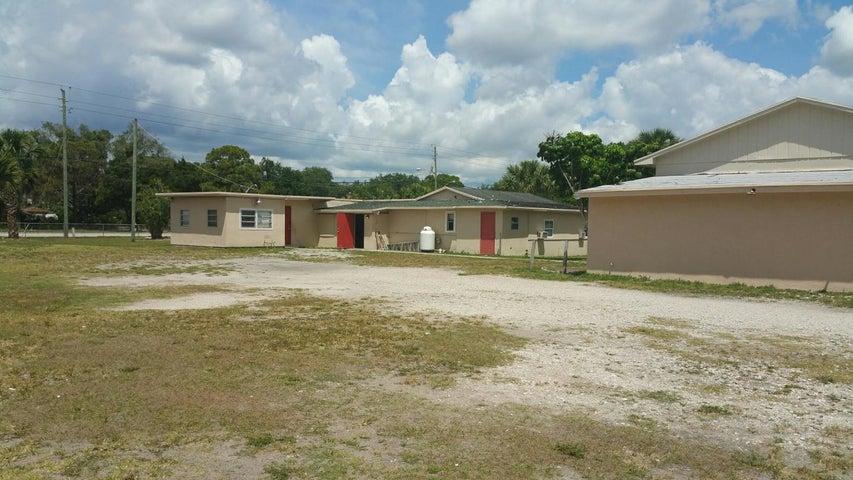 4968 Cyprus Lane, West Palm Beach, FL 33417