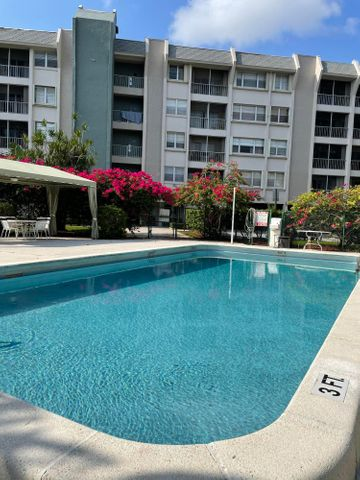 505 Spencer Drive, 112, West Palm Beach, FL 33409